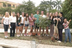 Planting-a-tree-at-the-Frienship-Village