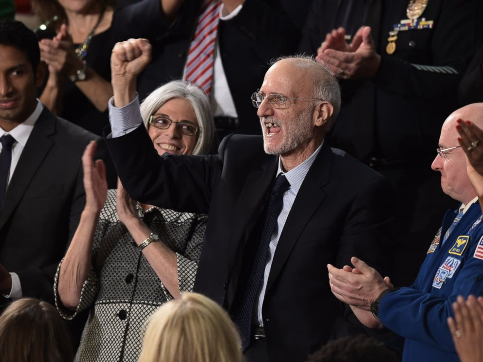 PHOTO: Alan Gross, the U.S. contractor released from prison in Cuba last month, is applauded duringUS President Barack Obama's State of the Union address in Washington on Jan. 20, 2015.